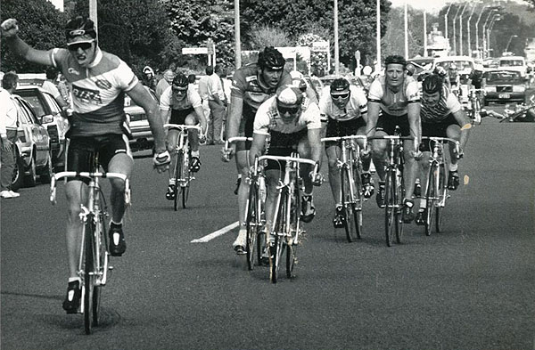 Amateur rider Stuart Williams wins in 1989.